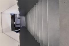 Stopnice-iz-gume-talna-obloga-za-stopnice-polaganje-guma-talne-obloge-na-stopnice-in-tla