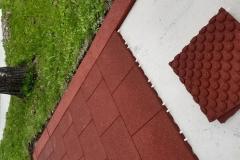 Euroflex-mehke-podloge-pod-igrali-varnost-pred-padci-in-poškodbami-otroško-igrišče-guma-plošče