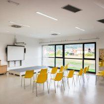 Artigo, naravna guma iz kavčuka, barvita talna obloga, tja v učilnici